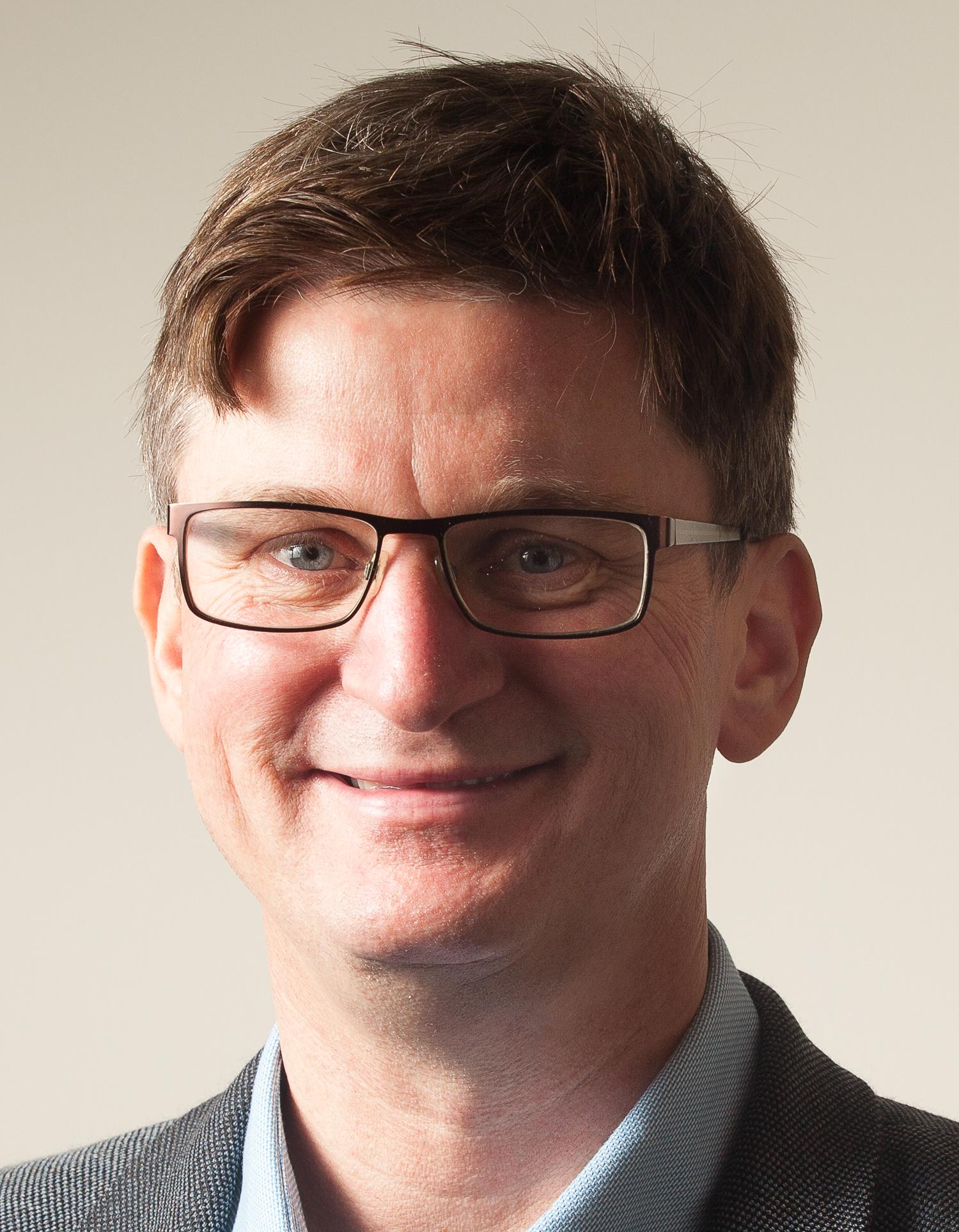 Dr Christopher Longhurst